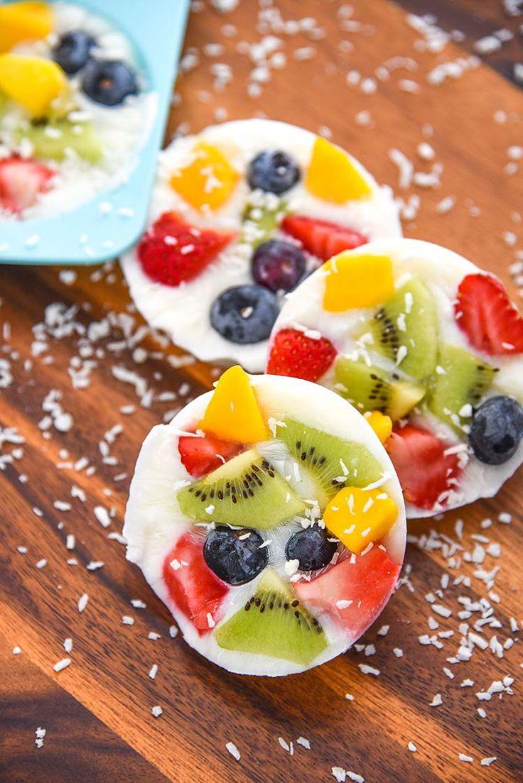 Aqui está uma receita daquelas fáceis como eu gosto e super saudável. O que leva? Só iogurte e fruta fresca…fácil fácil. Um snack delicioso que todos vão gostar, crianças e adultos! E podem f…
