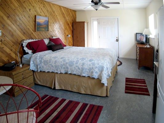 Tiny House Trial - Fits a California King Bed