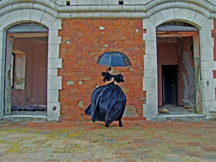 """La Galleria 8,75 Artecontemporanea di Reggio Emilia (Corso Garibaldi, 4) presenta, dal 26 aprile al 25 maggio 2014, la personale dell'artista siciliana Marilena Vita, allestita in occasione di """"Fotografia Europea"""". Curata da Chiara Serri, la mostra sarà inaugurata sabato 26 aprile alle ore 17.00. Info: www.csart.it/875."""