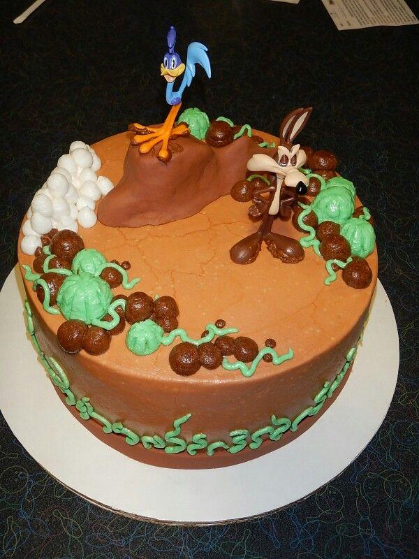 Wile E Coyote & Roadrunner cake