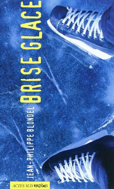 Brise glace  Paru en 2011 aux éditions Actes Sud Junior par Jean-Philippe Blondel    Aurélien, nouvel élève de première L au lycée, veut rester dans son coin, solitaire. Mais Thibaud, lui, cherche à faire connaissance et à briser la glace.