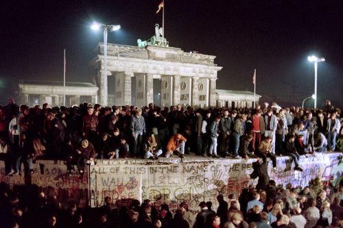 【特集】ベルリンの壁崩壊、AFPが捉えた歴史的瞬間