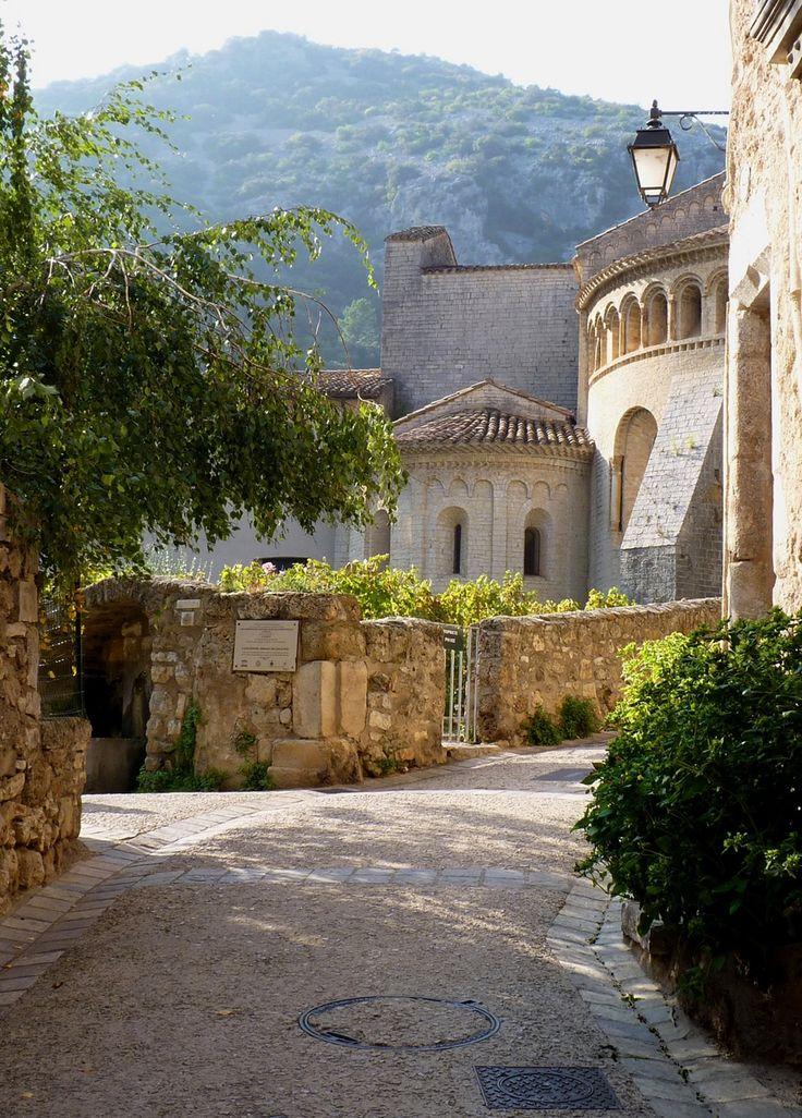Saint-Guilhem-le-Désert, Languedoc-Roussillon