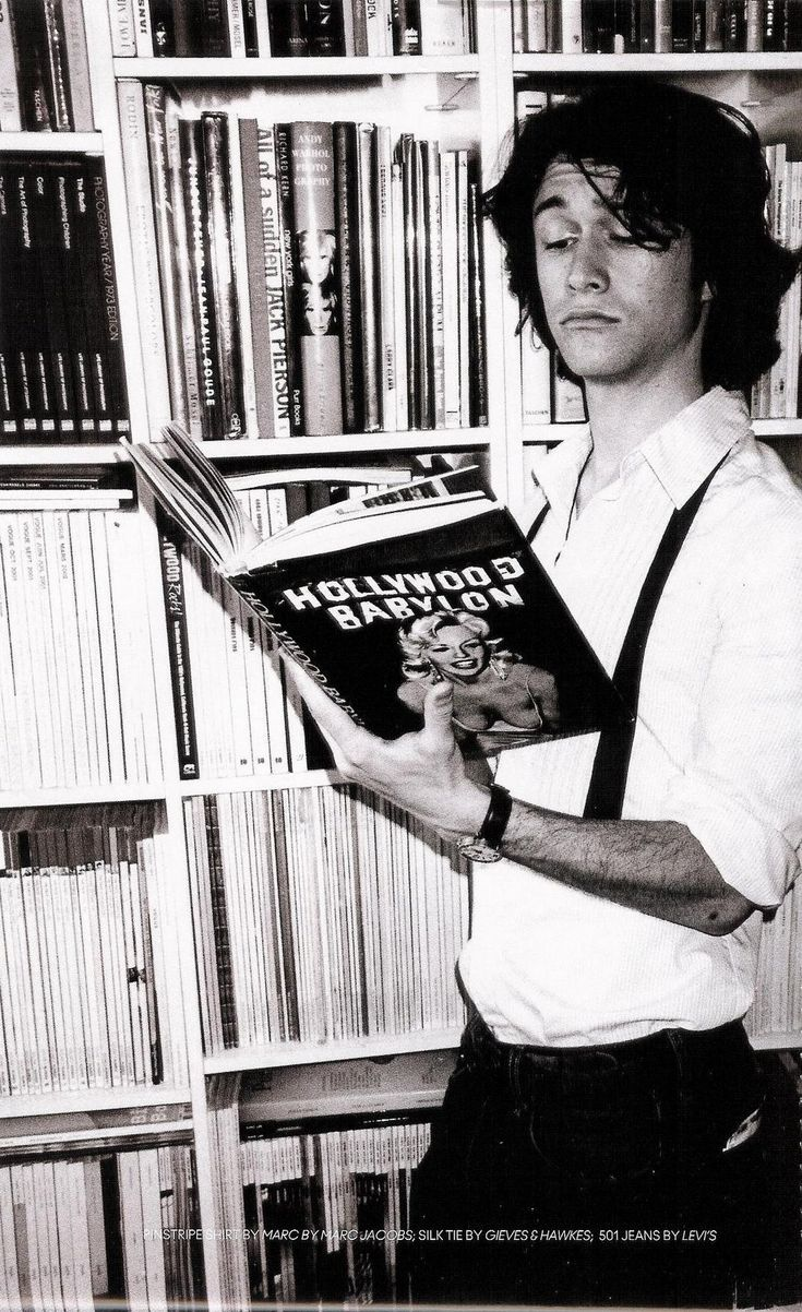 Joseph Gordon-Levitt with a copy of Hollywood Babylon, one the best books about old Hollywood!!!!