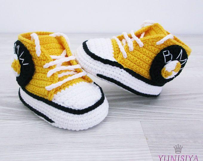 Amarillo Crochet bebé zapatos deportivos coche niño, patucos ganchillo, zapatos de niño de bebé del ganchillo, regalos de bebé, zapatos de bebé, 0-3, 3-6 meses BB17
