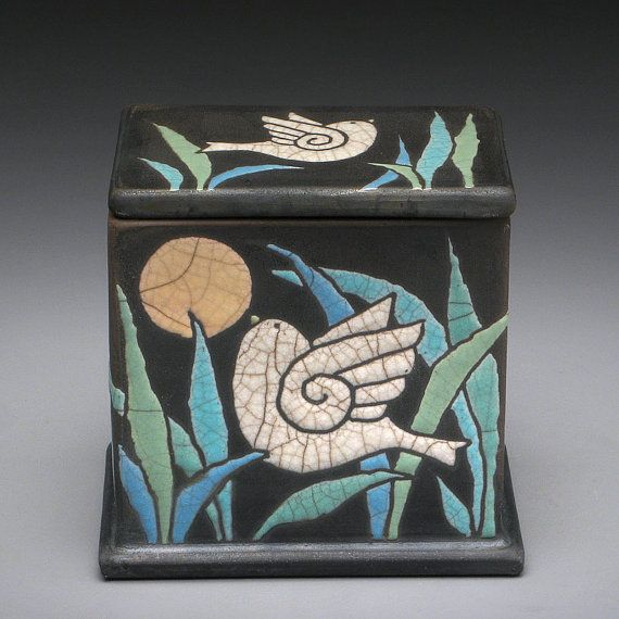 Ceramic BoxBird Box potteryhandmade treasure box por DavisVachon