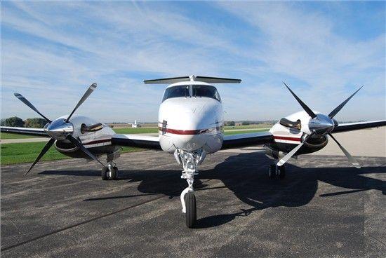 King Air 200, Full Raisbeck EPIC Platinum Package #new2market #bizav http://www.globalair.com/aircraft_for_sale/Twin_Engine_Turbine_Aircraft/Beechcraft/King_Air__200_for_sale_69238.html