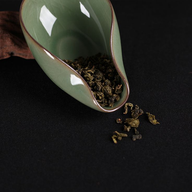 Longquan Celadon Tea Accessories Ge kiln Di Kiln Cha He Kung Fu Tea Equipment
