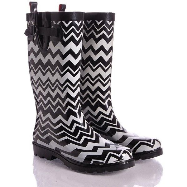 Black White Chevron Print Rain Boots (1.730 RUB) ❤ liked on Polyvore featuring shoes, boots, rubber boots, black white shoes, wellies shoes, black and white shoes and waterproof shoes