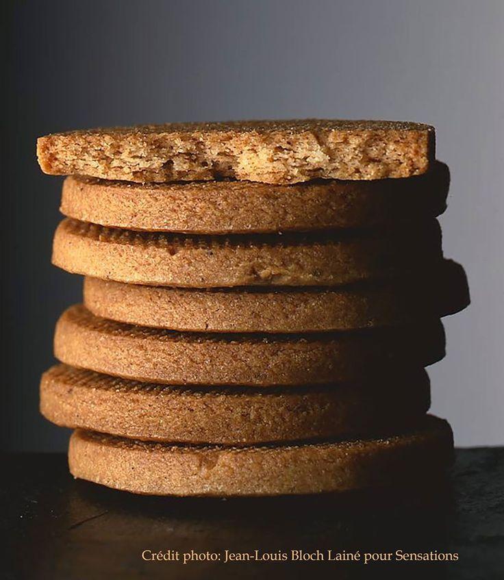 Des sablés bien dorés, friables et au bon goût beurré pour accompagner son café. Recette sur la page Facebook du Chef .
