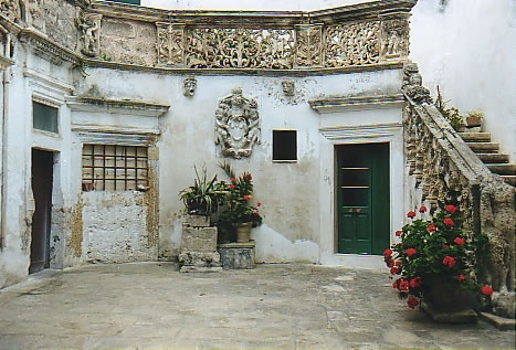 Salento, the heel of the italian boot, my home (the town of Galatina)