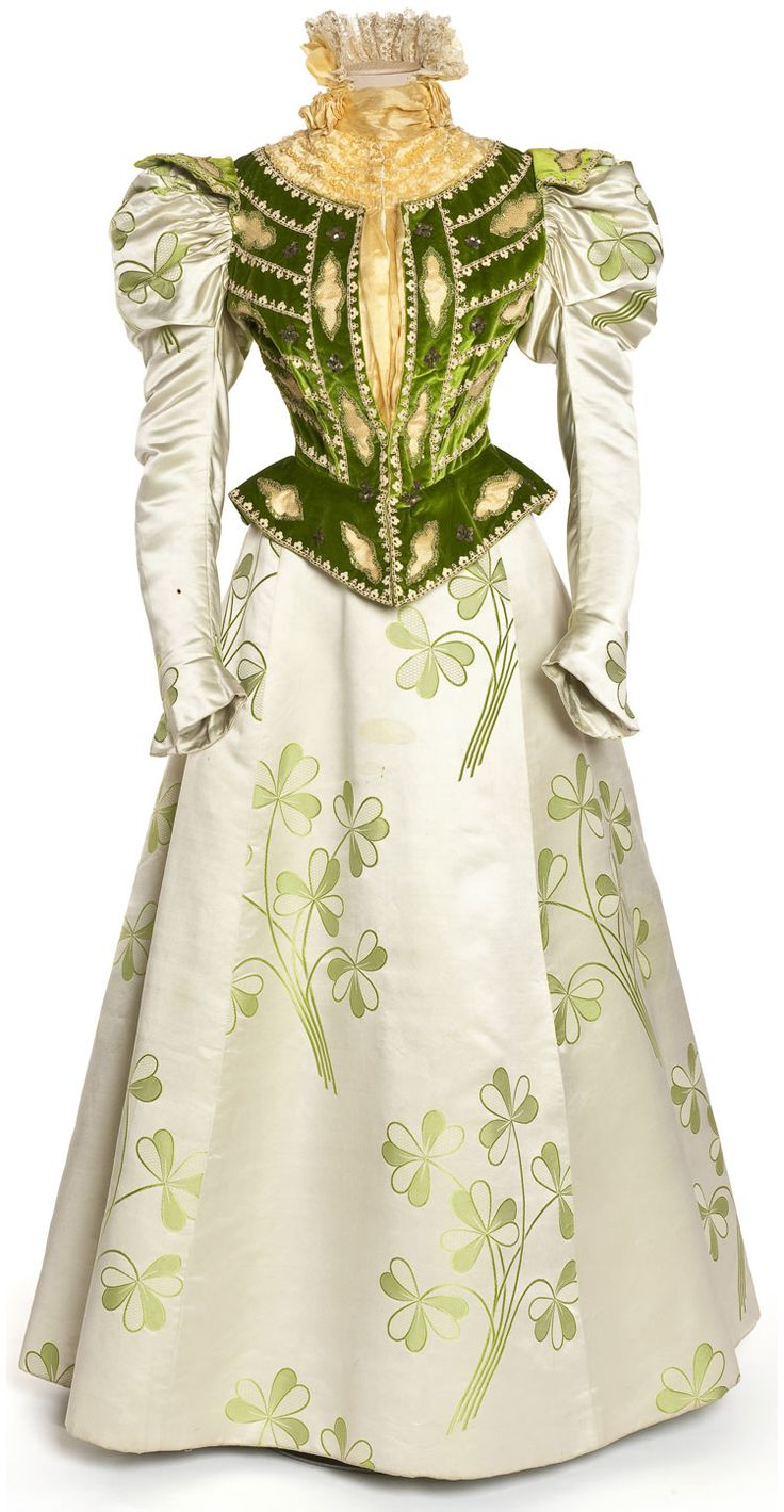 Love the bodice and sleeves.  not so much the printed fabric of the skirt