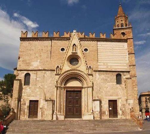Duomo Santa Maria Assunta e San Berardo, Teramo: See 107 reviews, articles, and 50 photos of Duomo Santa Maria Assunta e San Berardo, ranked No.1 on TripAdvisor among 54 attractions in Teramo.