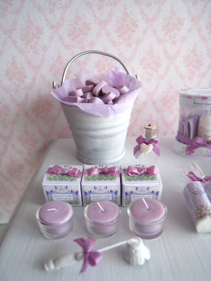1:12 Dollhouse Lavender scented candles and Gift Box by SyreetasMiniatures