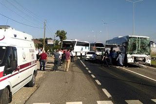 Ordu'nun Ünye ilçesinde tır ve biri Rize otobüsü iki yolcu otobüsünün karıştığı…