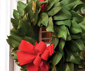 Super Easy DIY Magnolia Wreath — Southern Living   Home Decor News