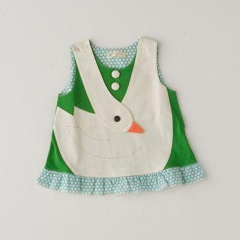 aaaawwww! bjork mini me swan dress :-)