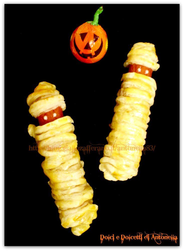 Rotolini di sfoglia e wurstel, ricetta Halloween