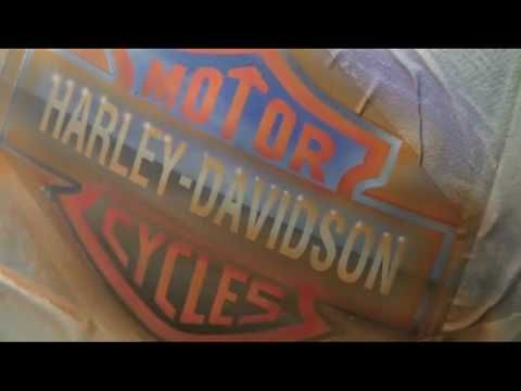 Logo Harley Davidson airbrush motor bike peinture moto perso