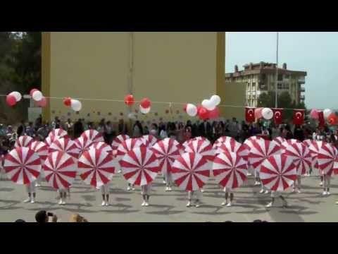 Süper bir 23 Nisan 2013 gösterisi İZMİR( Münevver Öğretmen İlkokulu 4.Sınıflar ) - YouTube