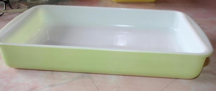 Vintage Pyrex Lime Green 2 quart Baking Dish #232 Lasagna Pan 8x14 #Pyrex