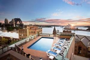 Holiday Inn Old SydneyHoliday Inn, Swimming Pools, Favorite Places, Rooftops Pools, Sydney Australia, Opera House, Sydney Holiday, Sexiest Rooftops, Hotels