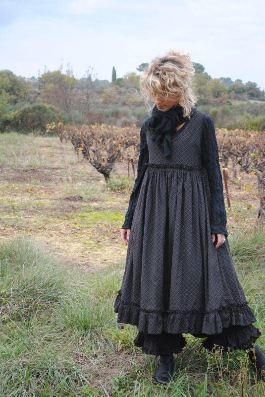 Dark Mori Fashion and Lifestyle : Photo