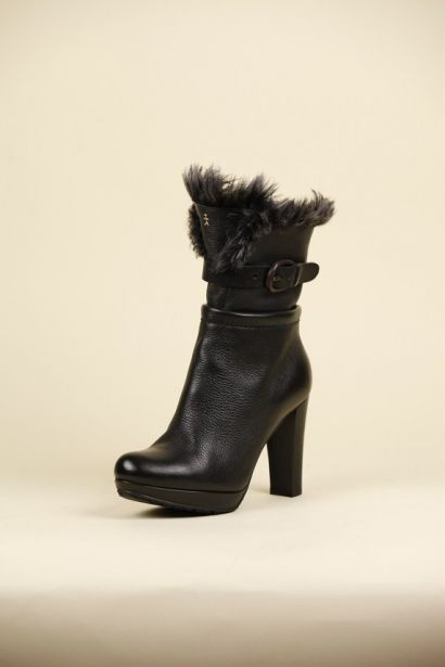 Ankle boots with fur   €694.00