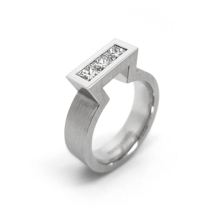 www.ORRO.co.uk - Henrich & Denzel - Diamond & Platinum Keyhole Ring - ORRO Contemporary Jewellery Glasgow