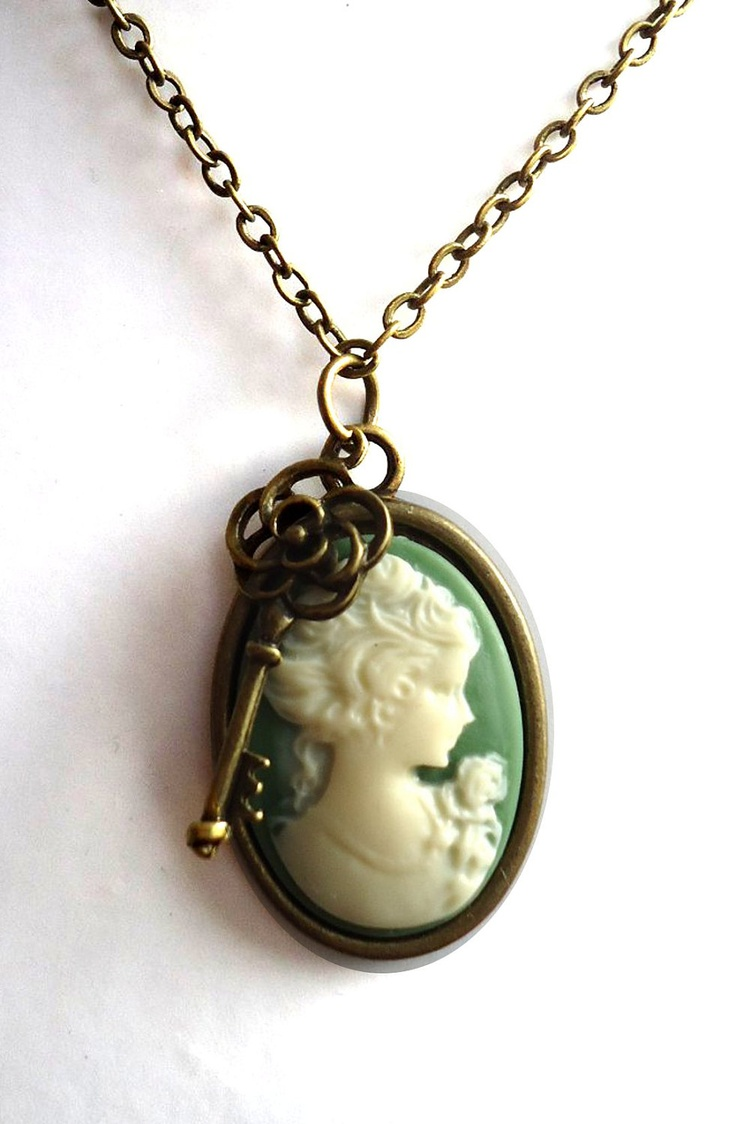 Handmade Antique Bronze Necklace with Green Cameo Pendant. Pick Your own Charm. £12.00, via Etsy.: Fox Necklaces, Antique Jewelry, Handmade Antique, Antique Bronze, Cameo Appearances, Bronze Necklace Beautiful, Antiques