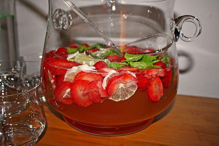 Erdbeerbowle Hugo