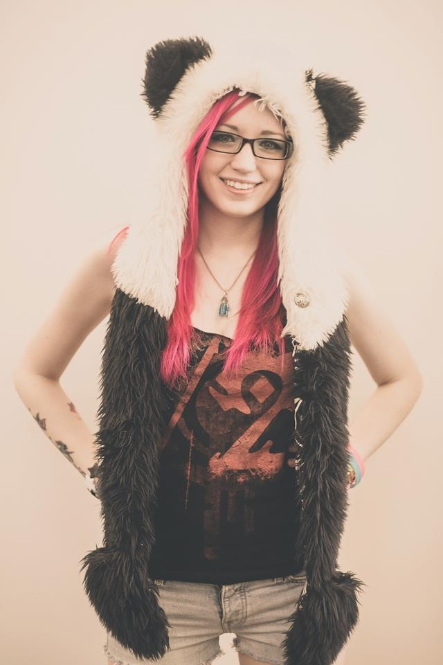 Panser/TradeChat on YouTube. I love everything about her!!! One of my role-models. <3<3<3