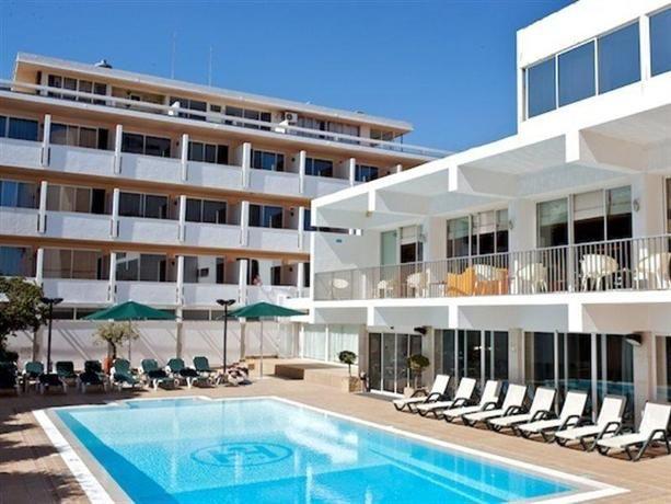 Hotel Londres Estoril | 3 stars  | Good, 7.5 | from €38
