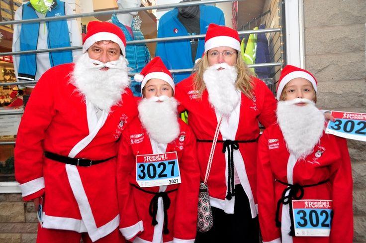Burlington, Ontario photos - Santa 5K Run 2012 Burlington: Stefan, Max, Tracey & Charlie
