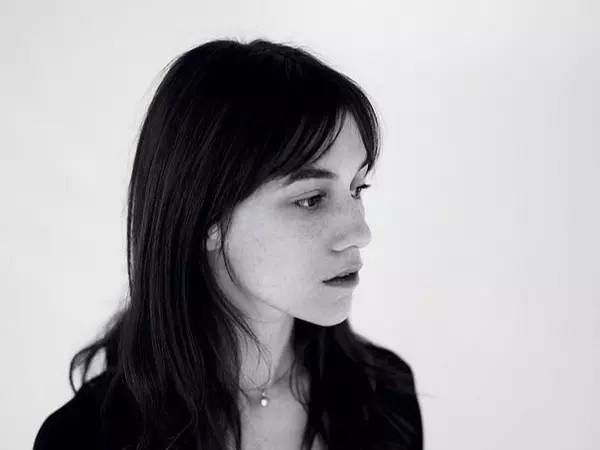 """Charlotte Gainsbourg"" ""#Charlotte #Wessels"" #Erasmus ""#Floor #Jansen"" ""#Kara #Neko"" #Nightwish #Jessicka #garçonnes #EU27 #Bohème #arthouse #Brexpat #ijshockey #kunst #gothic ""#riot #grrrl"" #Metalholic ""#metal #chick"" #metalcore #metallimusiikki ""#Pentagramm"" #indie #kunst ""#rood #haar"" #afbeeldingen #vampier #kapsel #Ponys #franges #frangia #bangs #Španělsko #Rakousko #Katalánsko #Lucembursko #Nizozemsko #Grufti #Griekenland #Athene #Bettembourg #Tilburg #Ardennes #Bulgarije #Plovdiv"