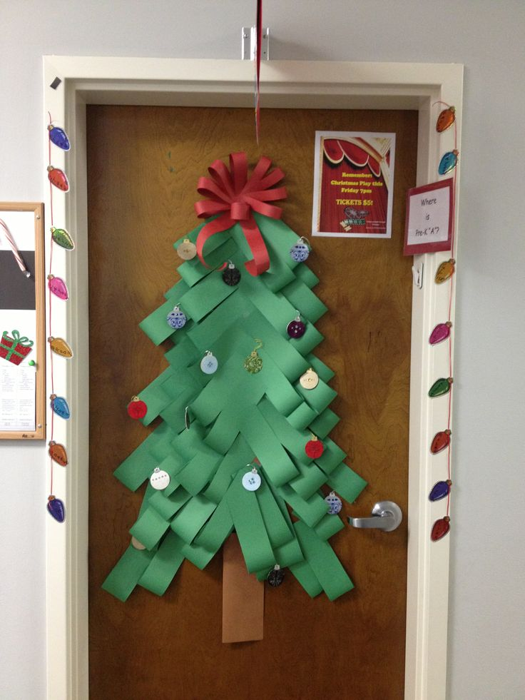 Classroom Christmas Design ~ Christmas tree door decorations for school