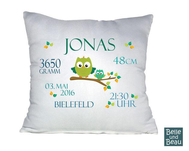 Schönes Kissen mit Geburtsdaten.  Hier kommt ein tolles Namenskissen für ganz besonders liebe Menschen. Das Kissen ist aus weißem Polyester mit Satingriff und Reißverschluss und hat eine Größe...