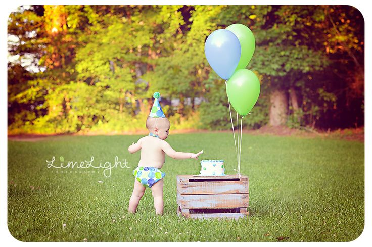 Cake Smash | Birthday | Child Photographer Outdoor Portrait {Fresh.Unique.Captivating}  http://www.limelightphotoshop.com