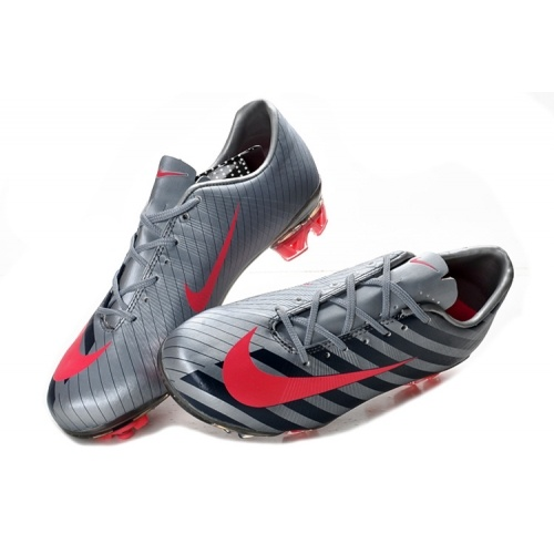 2012 Mercurial Superfly CR7 III .... AWESOME