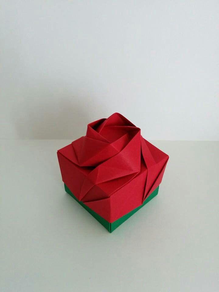 Rose box - Shin Han Gyo Folded by Origami by Tchami ^^