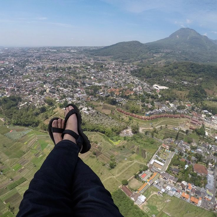 Glide chilling at Banyak Mountain, Batu, Malang - Indonesia