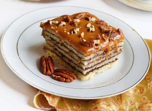 Κέικ με στρώσεις καρυκεύματα, και επικάλυψη καραμέλας
