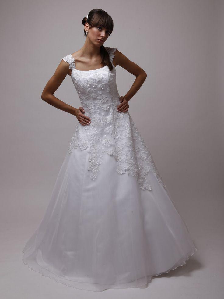 Sissi Brautkleid mit Trägern   Hochzeit   Pinterest