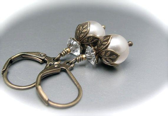 Blanco pendientes de perlas de Dama de honor por hawaiibeads