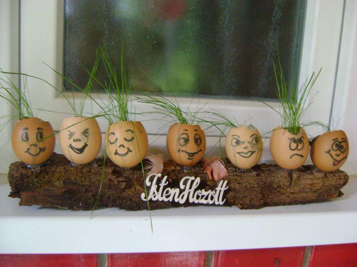 húsvéti ablakpárkány disze volt, kicsit megviselte őket a locsolás