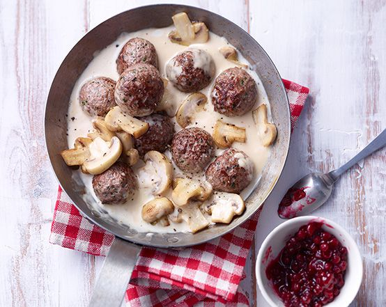 Köttbullar - Hackfleisch mit Champignon-Rahmsauce