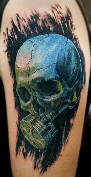 skull with piston under green light tattoo by kaifa  teschio con pistone in luce verde tatuaggio realizzato da Kaifa