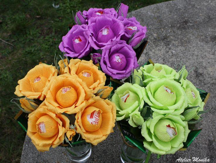 Sladké bonbonierové  kytice s Rafaelem a čajem Basilur. Bouquet with Raffaello  chocolates and tea Basilur. Handmade by Atelier Monika.