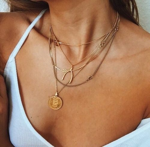 layered necklace. #jewellery