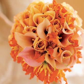 Wedding Flowers to Match Your Dress